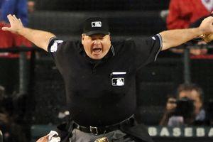 MLB Umpire Signals Safe